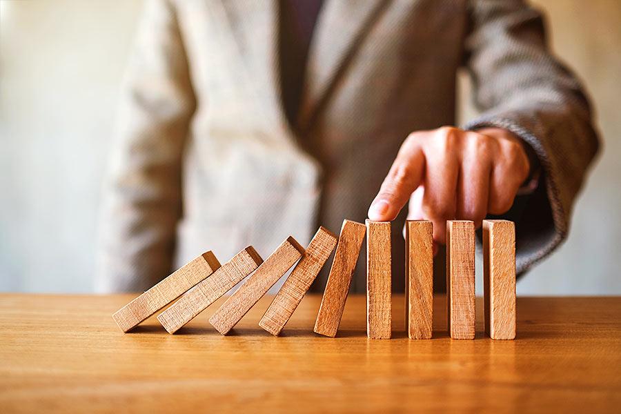 Corona Unternehmen Hilfe: Domino Effekt aufhalten