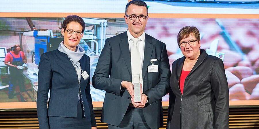 Die KfW Bank verlieh am 06.10.2016 in Berlin den KfW Award an Petar Marovic, im Rahmen einer externen Nachfolge und eines erfolgreichen Generationswechsels.