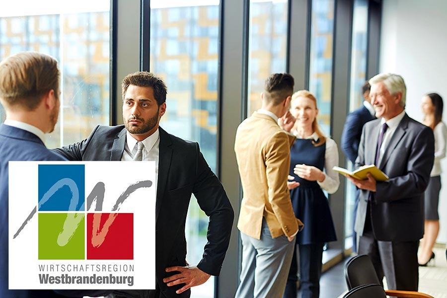 Nachfolgeforum Unternehmensnachfolge der Wirtschaftsregion Westbrandenburg: Menschen beim Netzwerken