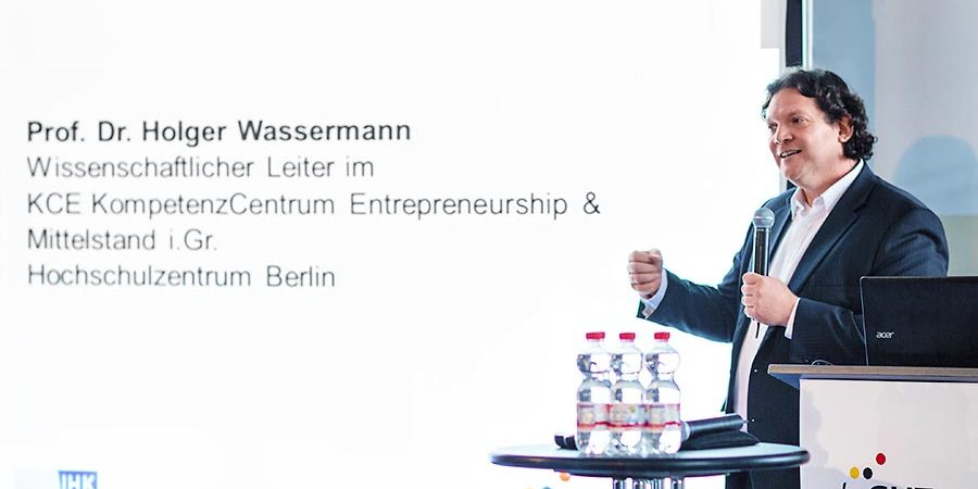 Die Vorteile einer Unternehmensnachfolge - aufgezeigt von Herrn Prof. Dr. Wassermann auf der deGUT 2015