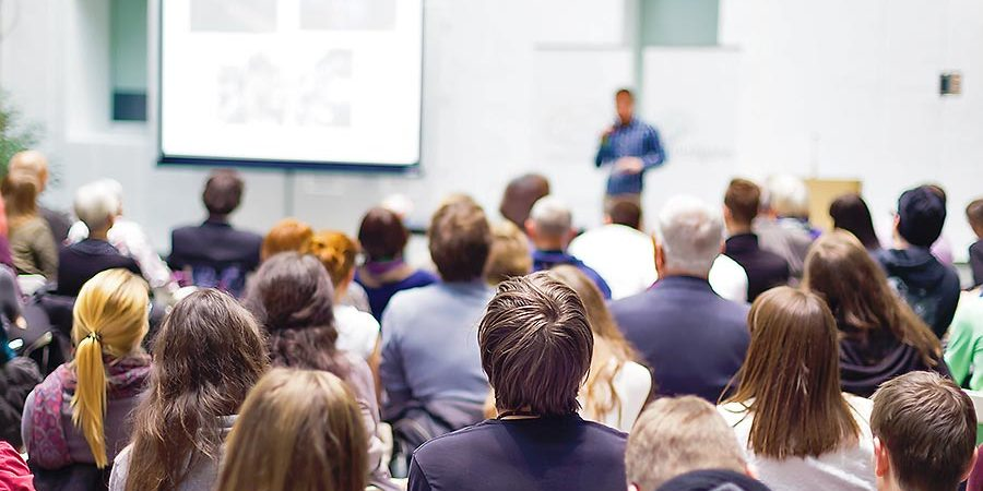 FOM Berlin stellt neues KompetenzCentrum für Entrepreneurship und Mittelstand (KCE) auf Deutschlands größter Unternehmermesse vor