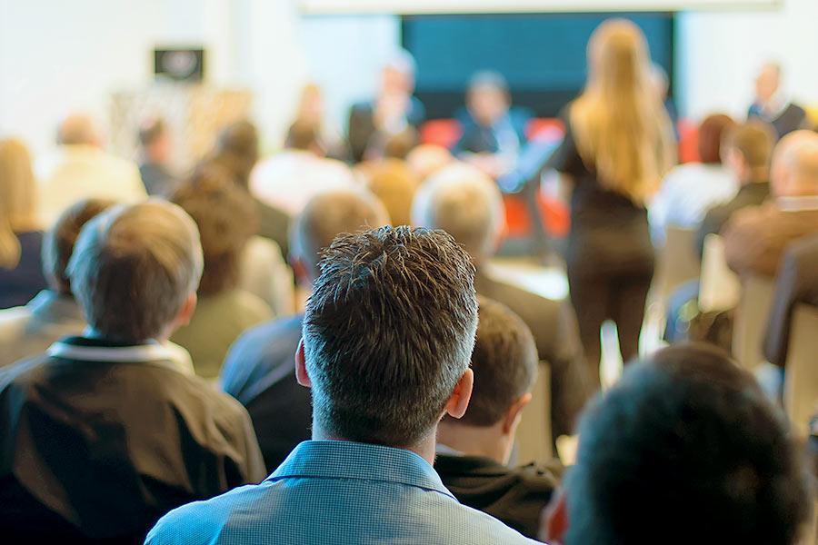 Unternehmer können mit uns bei zahlreichen aktuellen Events, fachlichen Veranstaltungen, Sprechstunden und Konferenzen Kontakt aufnehmen.