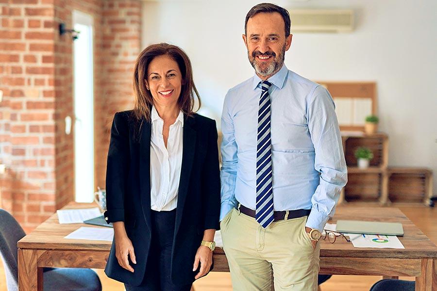 Partner Netzwerk: Zwei Geschäftspartner